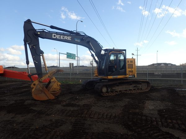 2015 John Deere 245G LC Hydraulic Excavator